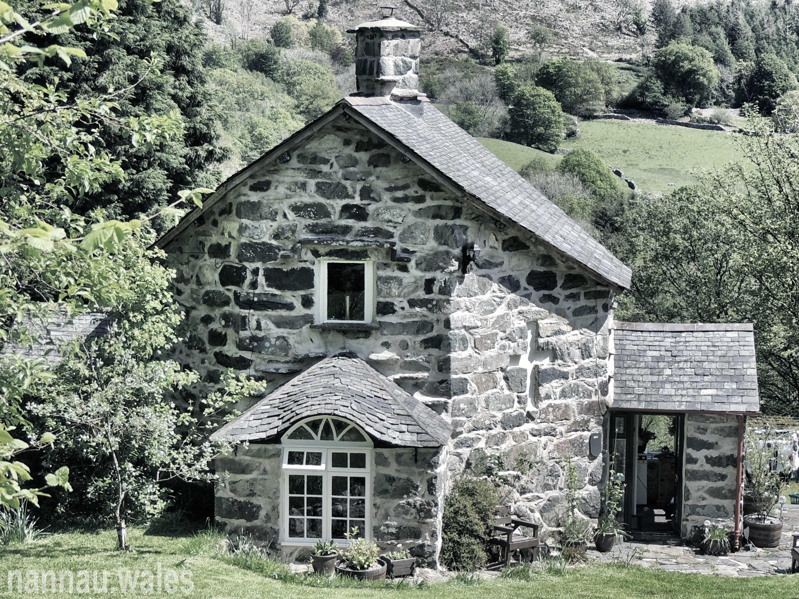 Gelli Cottage near Llanfachreth