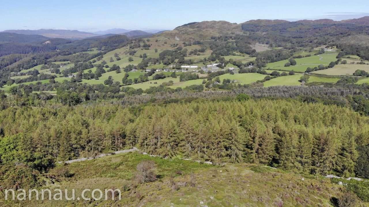 Llanfachreth from Foel Offrwm (Drone)
