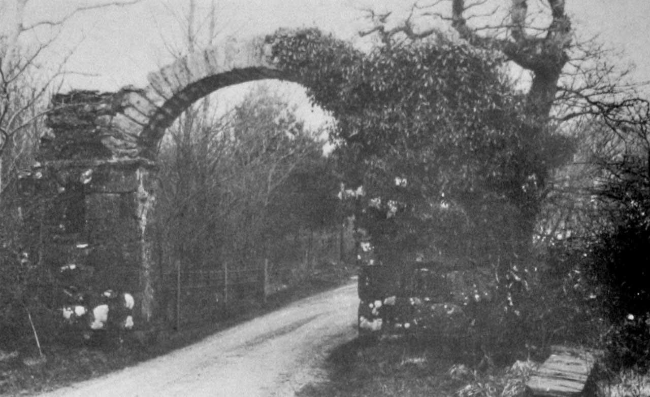 The Maes-y-Bryner Arch from the 1975 Sale Brochure