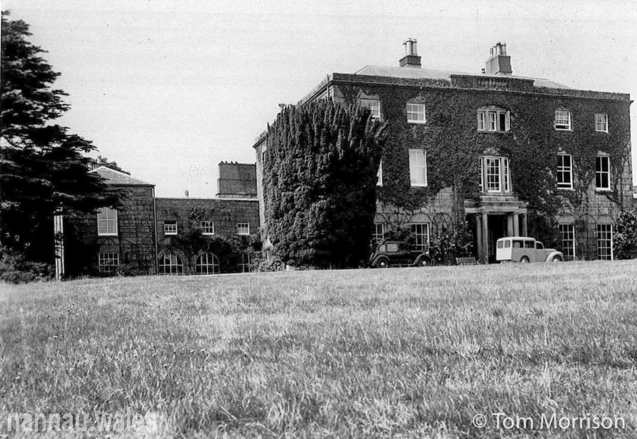 Plas Nannau Hall in the 1950s. Photo © Tom Morrison