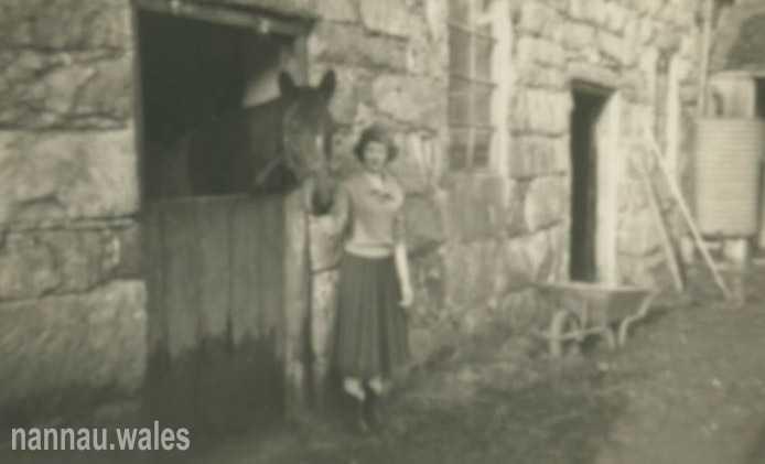 The Nannau Stableyard in 1958. Photo courtesy of Philip Nanney Williams