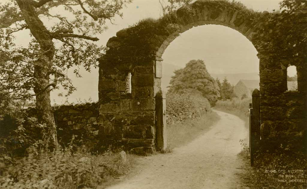 A Postcard of The Arch at Maes-y-Bryner Dated 1922
