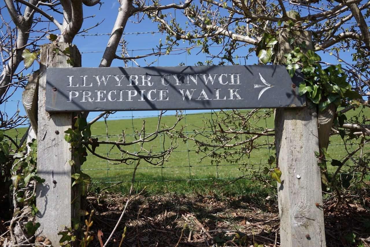 Sign for Precipice Walk