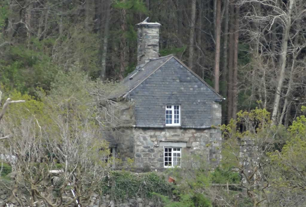 Lower Lodge (South Lodge) from The Deer Park in 2014