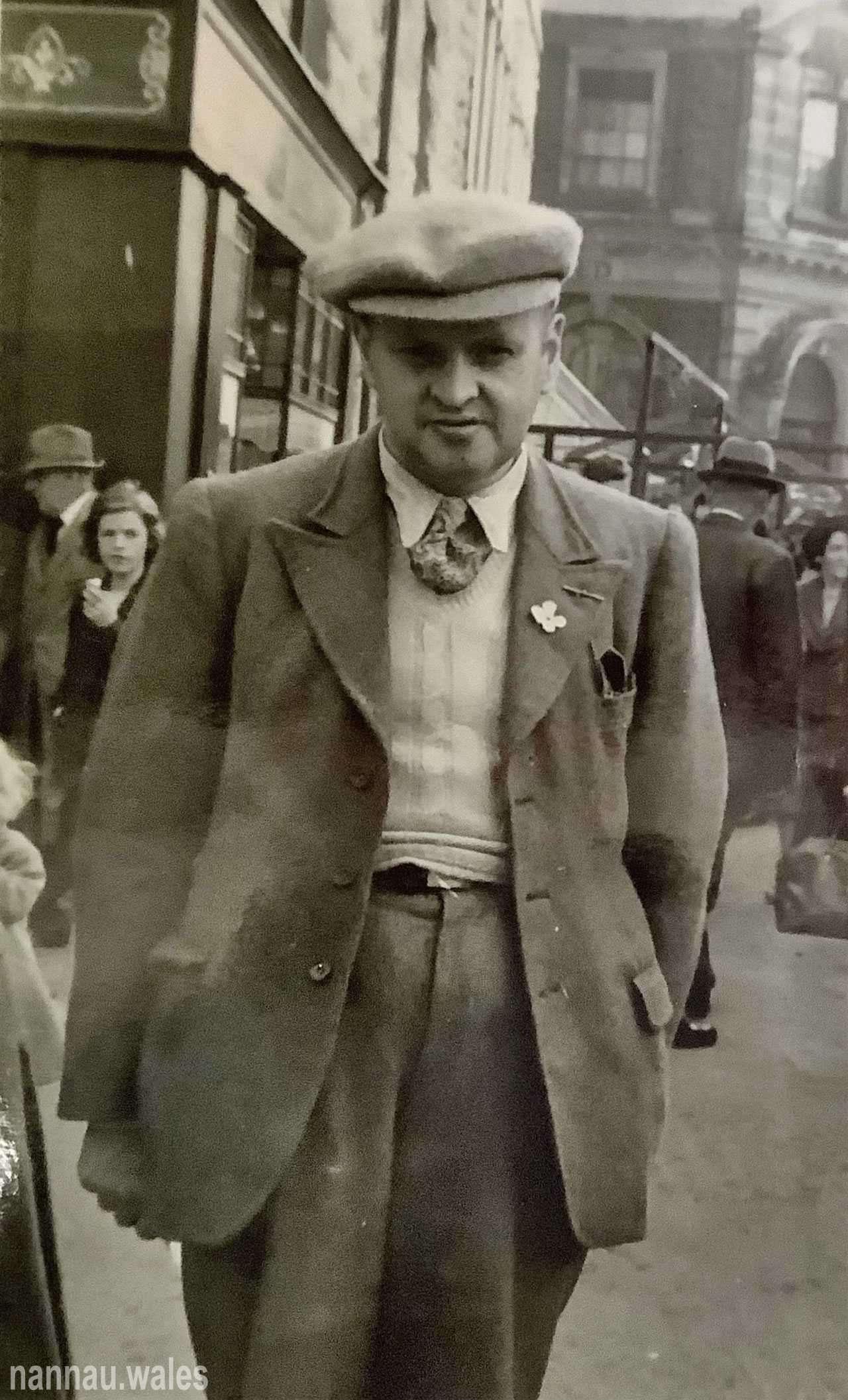 Sylvanus Jones Owen in Dolgellau 1957. Image courtesy of Bryan Panter.