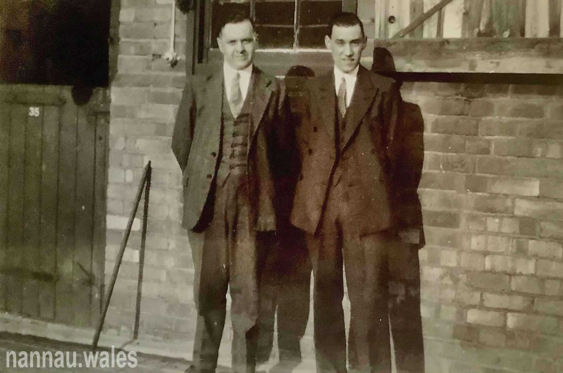 Sylvanus Jones Owen with Sidney Panter. Taken at the stable yard at Craven Lodge Melton Mowbray during the fox hunting season of 1932. Sidney married his sister Morfudd in 1933. Image courtesy of Bryan Panter.